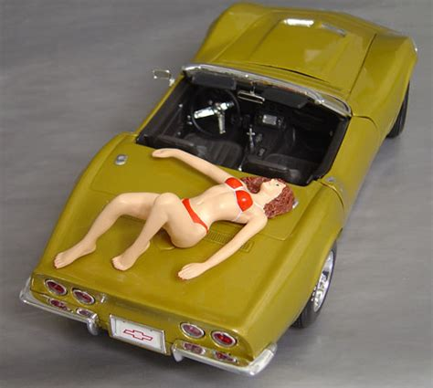 Laila, Display her with your favorite car! Details